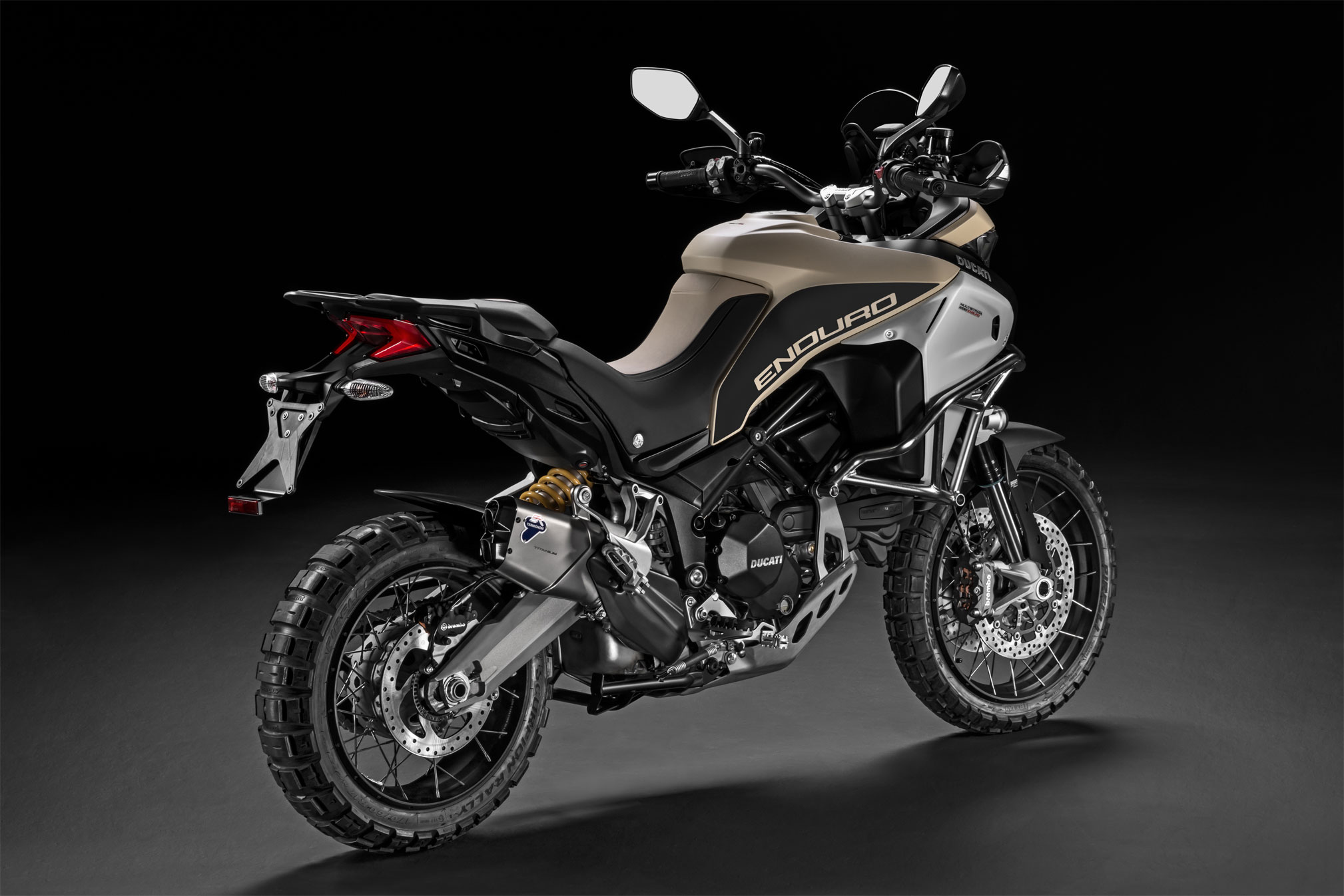 2018 ducati multistrada 1200 enduro pro review totalmotorcycle. Black Bedroom Furniture Sets. Home Design Ideas