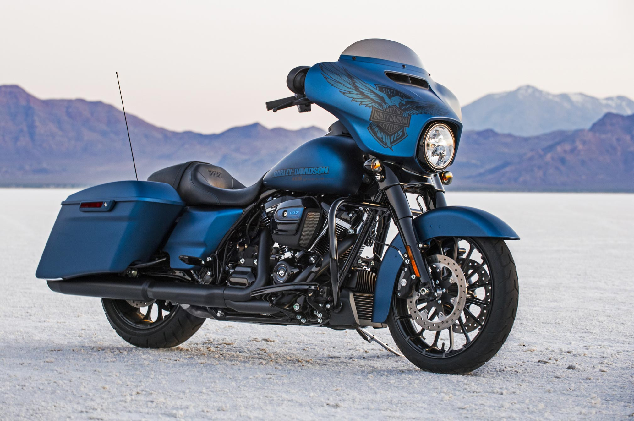 2018 harley davidson street glide special 115th anniversary review totalmotorcycle. Black Bedroom Furniture Sets. Home Design Ideas