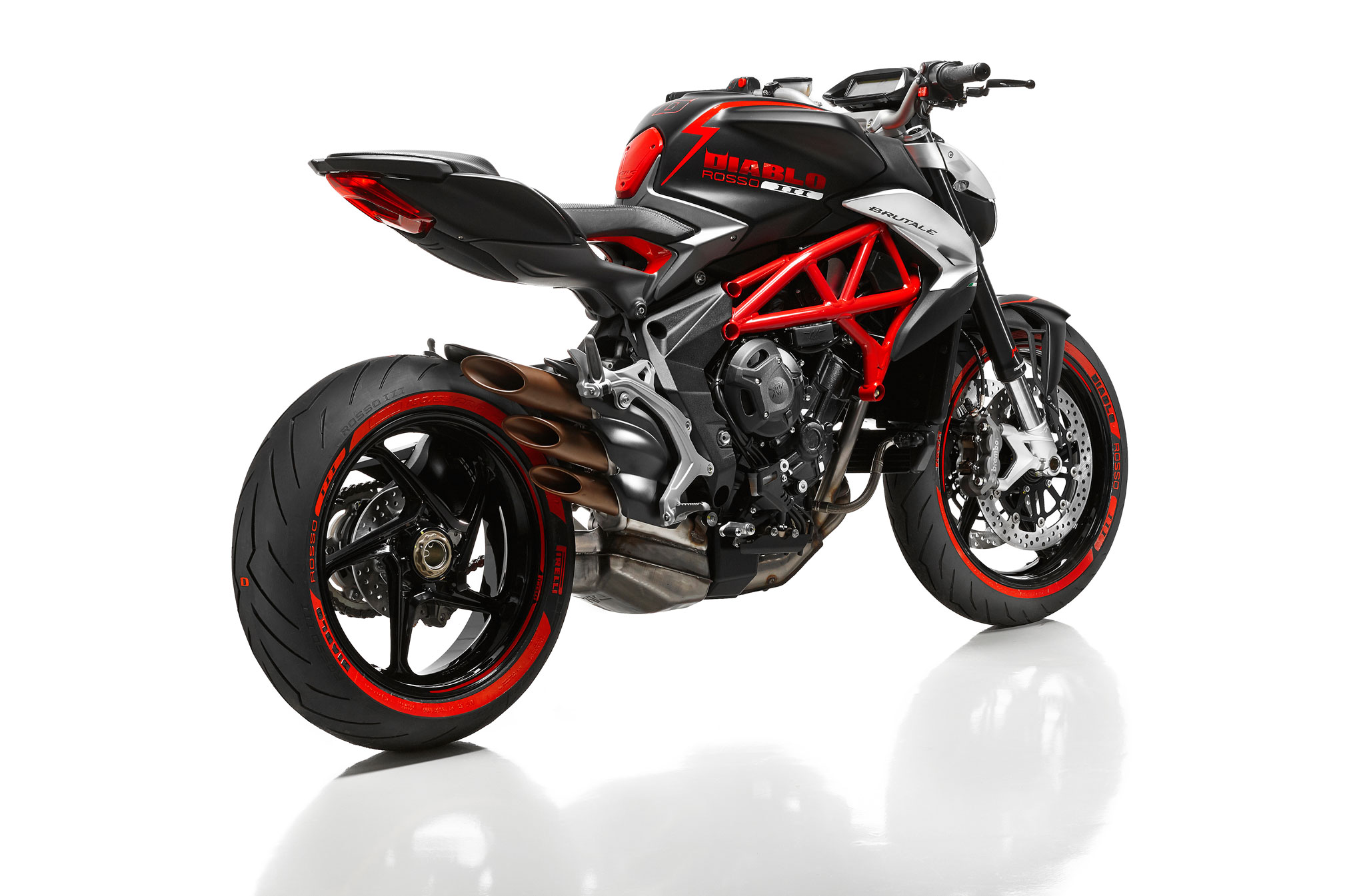 2018 mv agusta diablo brutale review totalmotorcycle. Black Bedroom Furniture Sets. Home Design Ideas