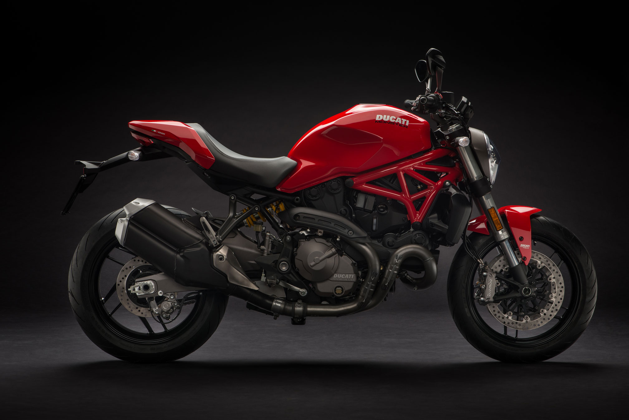 2018 ducati monster 821 review totalmotorcycle. Black Bedroom Furniture Sets. Home Design Ideas