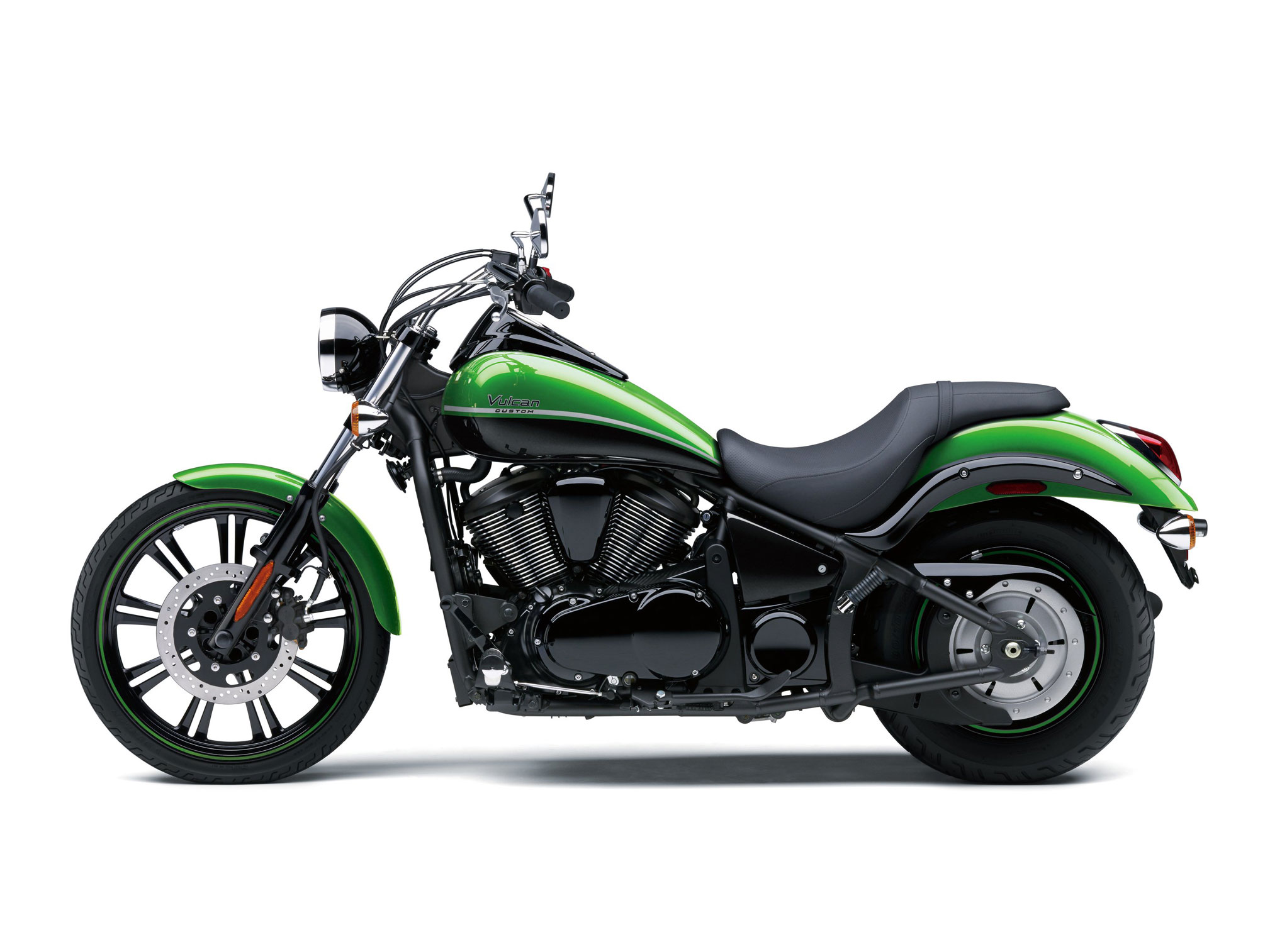 2018 kawasaki vulcan 900 custom review totalmotorcycle. Black Bedroom Furniture Sets. Home Design Ideas