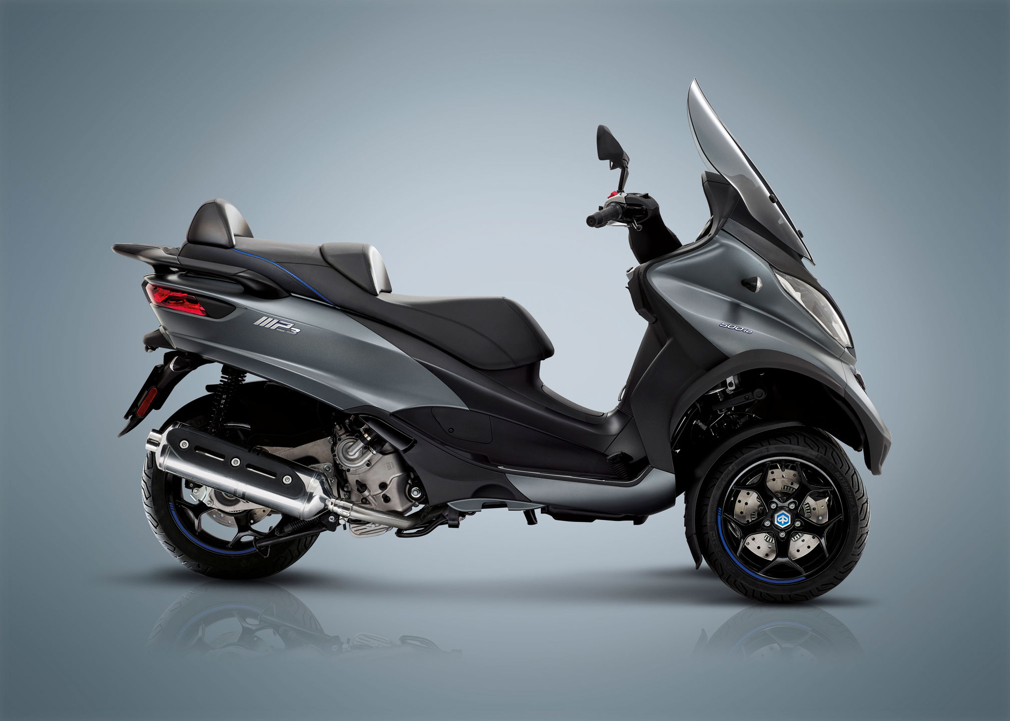2018-Piaggio-MP3-500-Special-Edition-LT-ABS-ASR2
