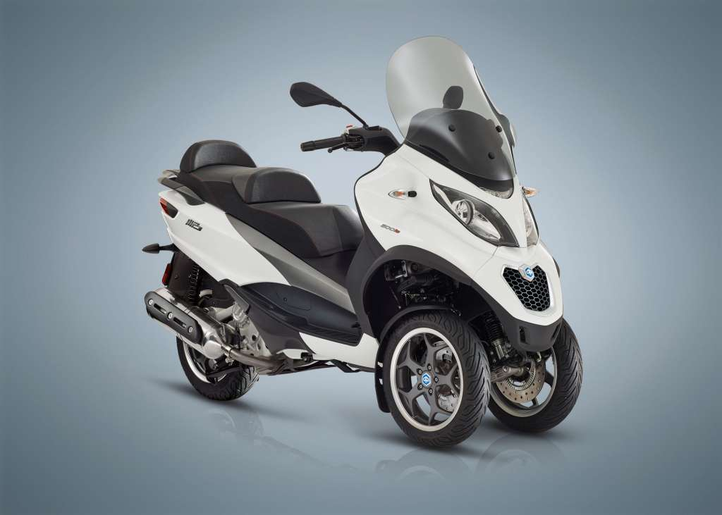 2018 piaggio mp3 500 sport lt review totalmotorcycle. Black Bedroom Furniture Sets. Home Design Ideas