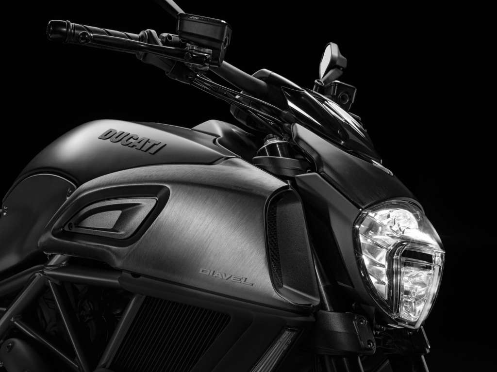 2018 ducati diavel review totalmotorcycle. Black Bedroom Furniture Sets. Home Design Ideas