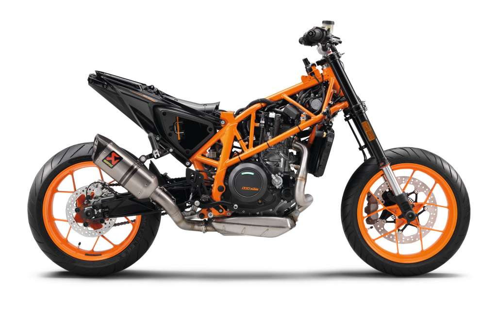 2018 ktm 690 duke review total motorcycle. Black Bedroom Furniture Sets. Home Design Ideas