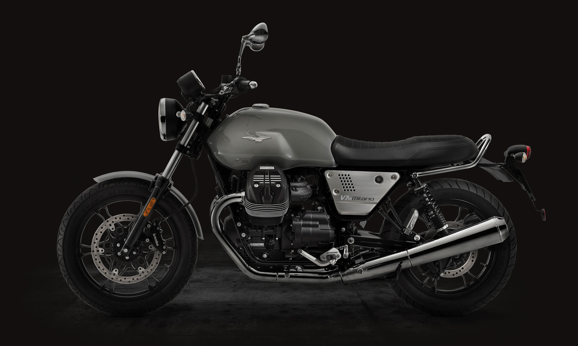 2018 moto guzzi v7iii rough review totalmotorcycle. Black Bedroom Furniture Sets. Home Design Ideas