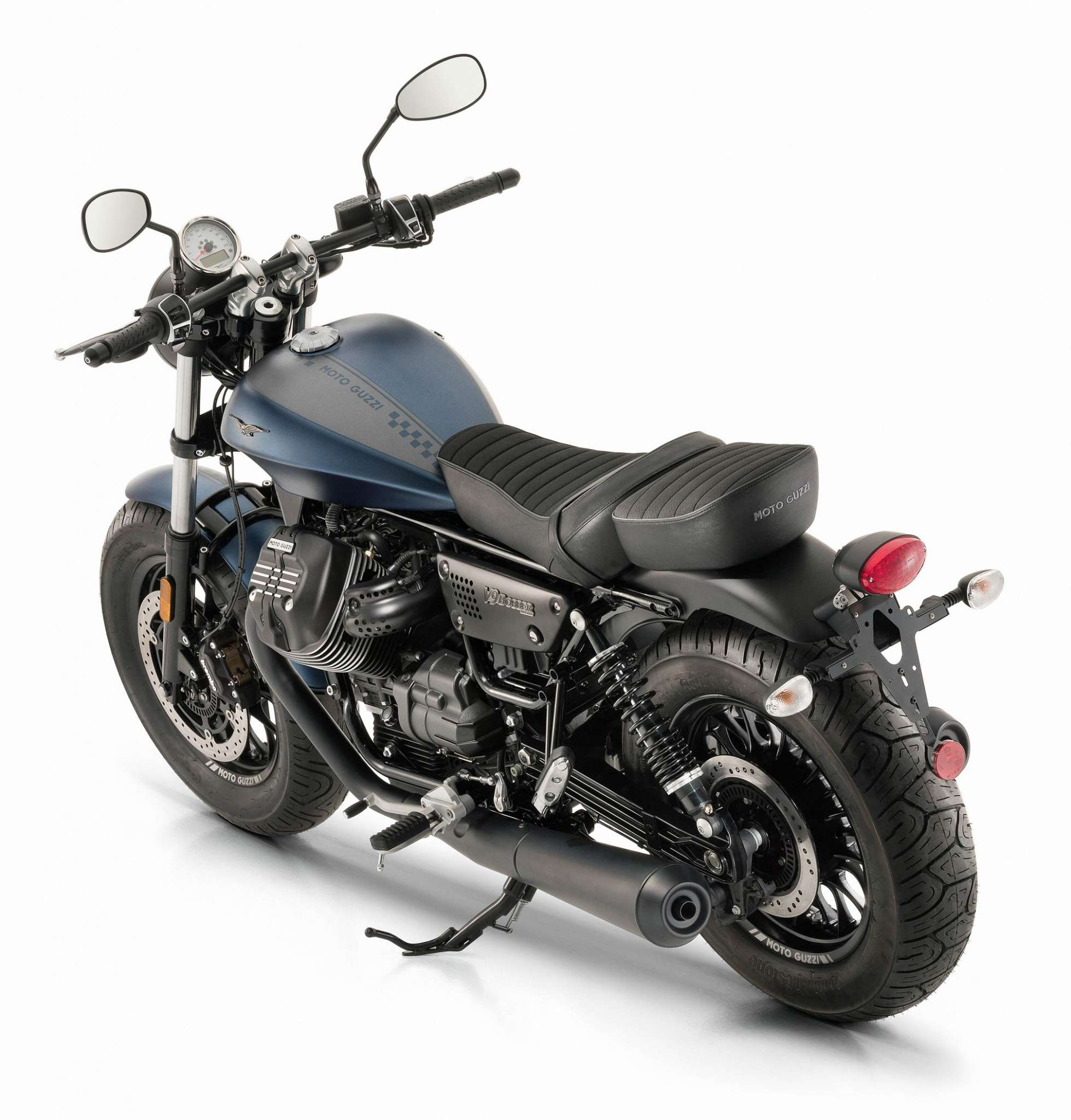 2018 moto guzzi v9 bobber review totalmotorcycle. Black Bedroom Furniture Sets. Home Design Ideas