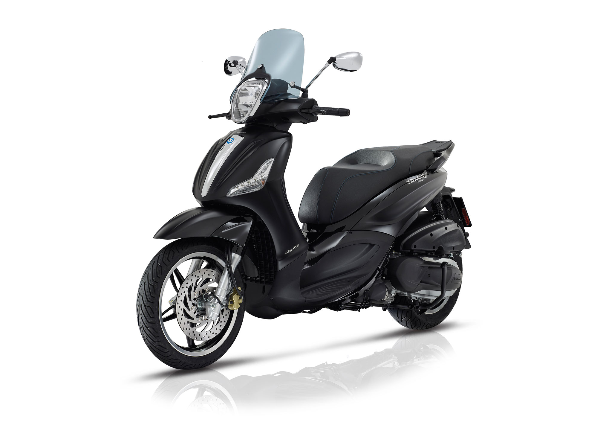 2018 piaggio beverly 300 by police review totalmotorcycle. Black Bedroom Furniture Sets. Home Design Ideas
