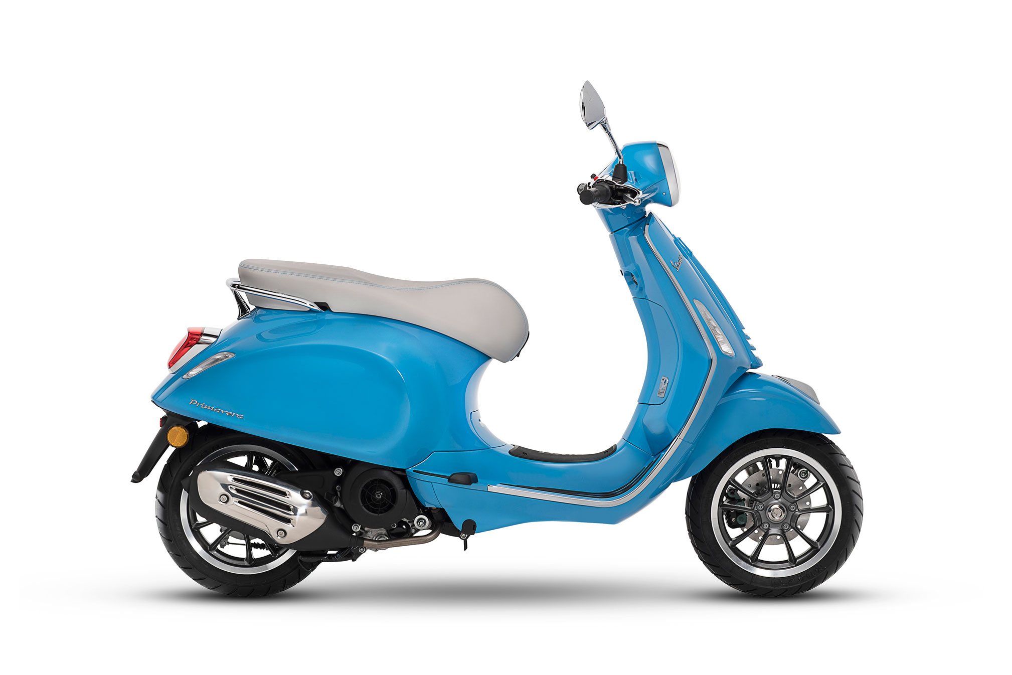 2018 vespa primavera 125 touring review totalmotorcycle. Black Bedroom Furniture Sets. Home Design Ideas