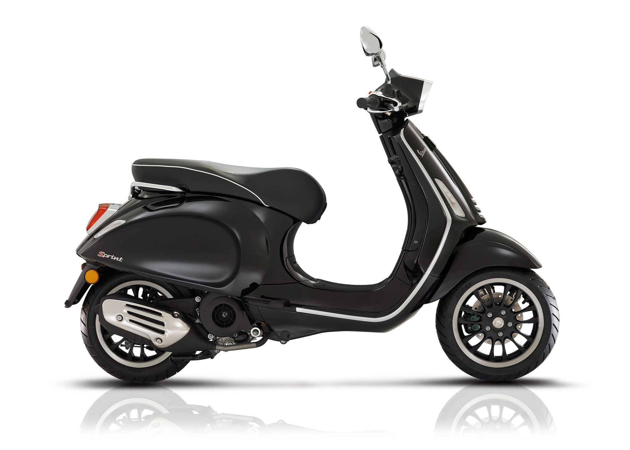 2018 vespa sprint 125 review totalmotorcycle. Black Bedroom Furniture Sets. Home Design Ideas