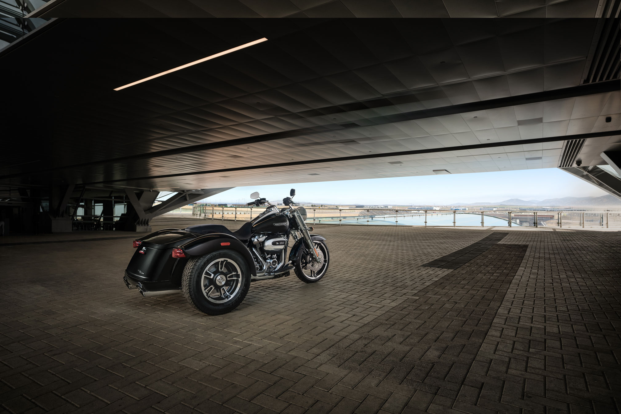 2019 Harley-Davidson Freewheeler Guide • Total Motorcycle