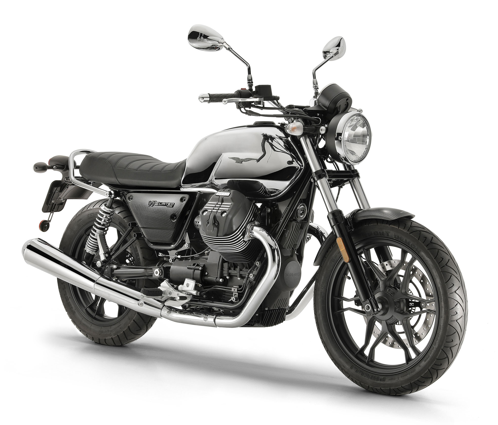 2019 moto guzzi v7 iii carbon shine limited guide total motorcycle. Black Bedroom Furniture Sets. Home Design Ideas