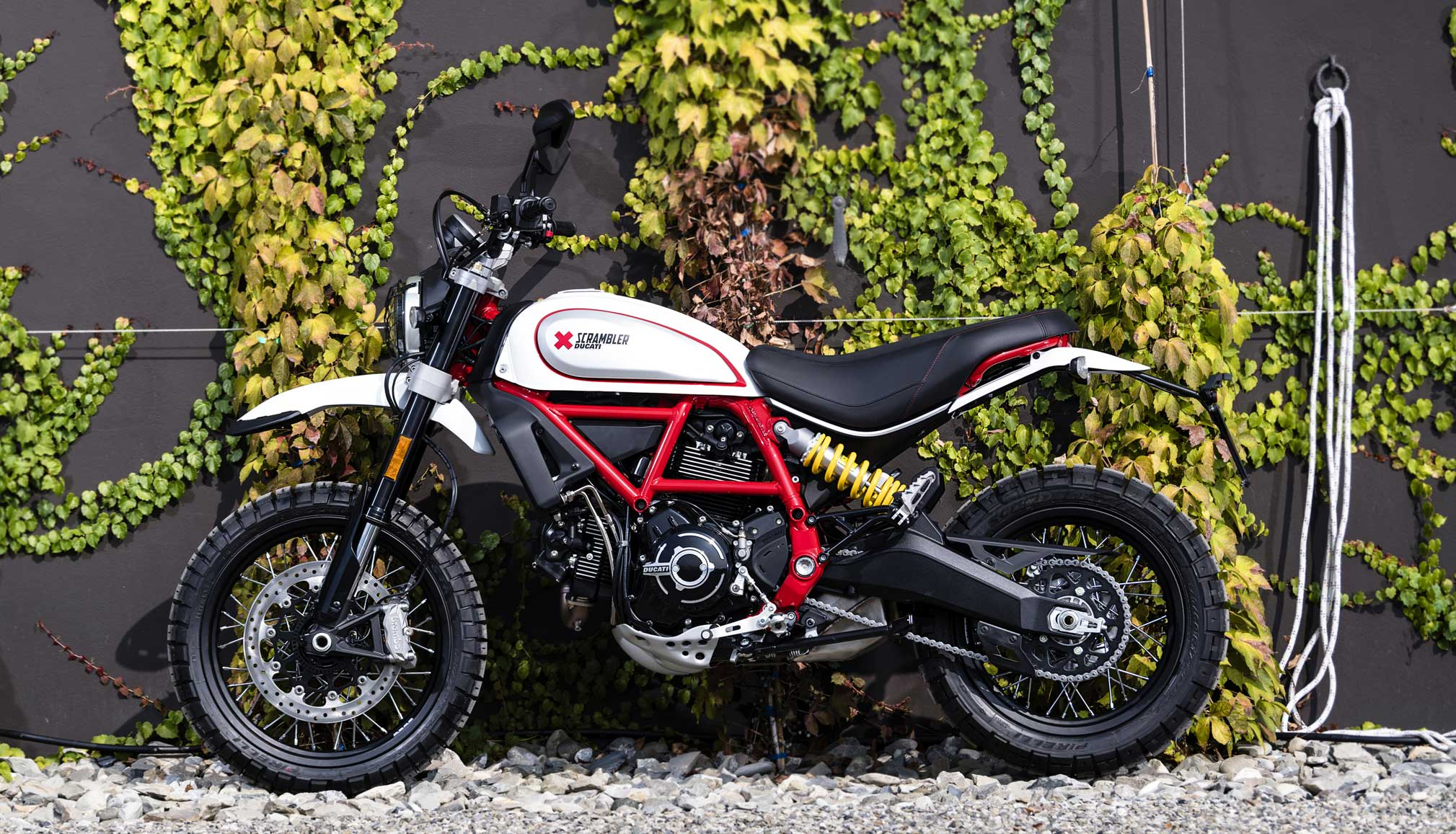 2019 ducati scrambler desert sled guide total motorcycle. Black Bedroom Furniture Sets. Home Design Ideas