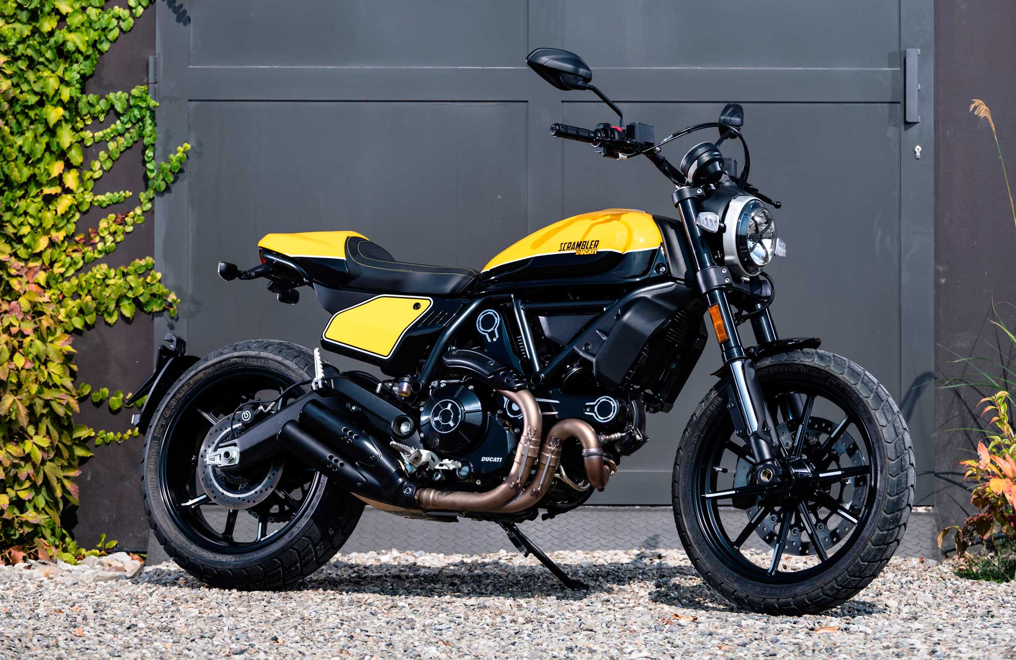Amazing 2019 Ducati Scrambler Full Throttle Guide Total Motorcycle Machost Co Dining Chair Design Ideas Machostcouk