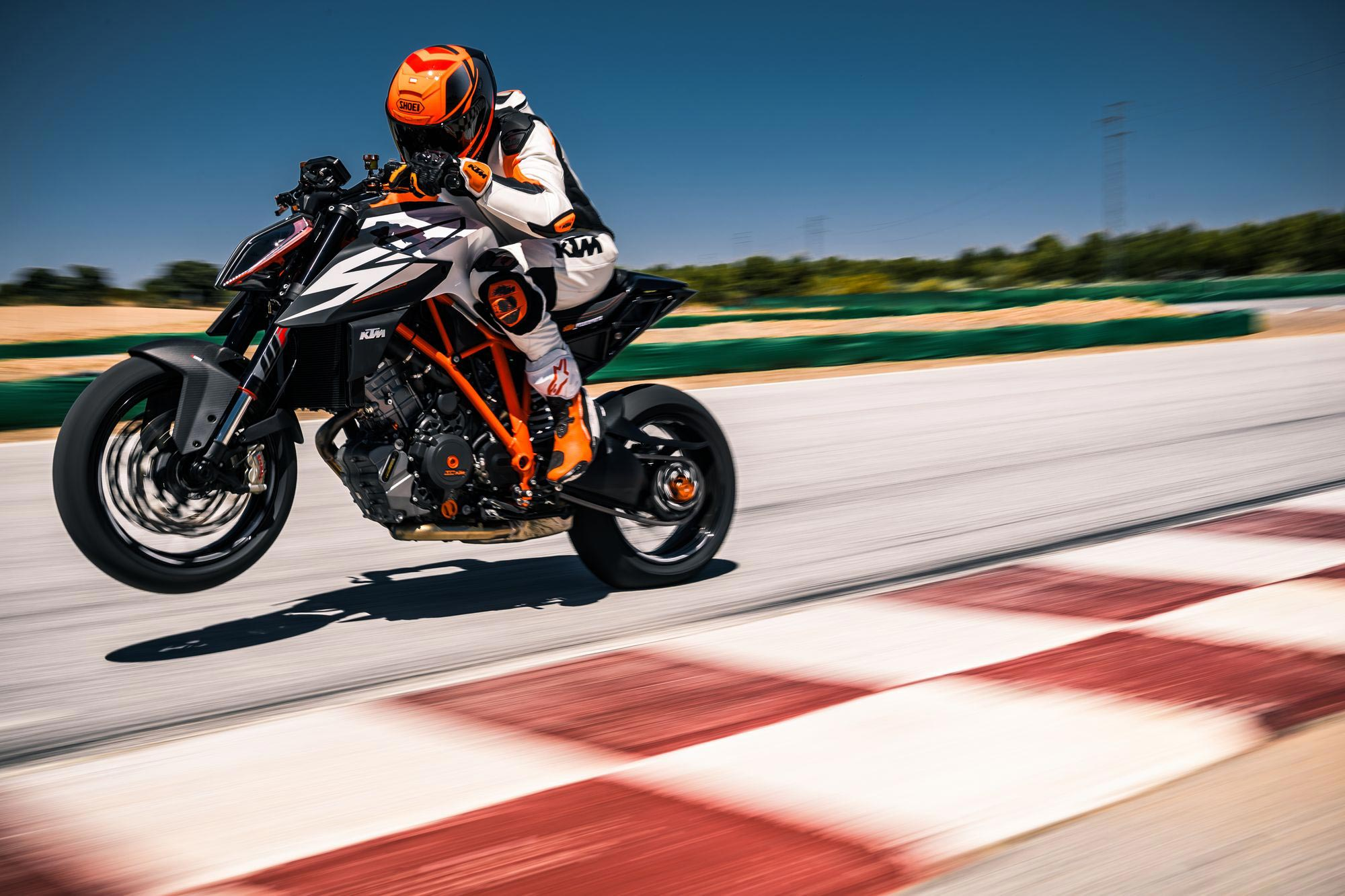 2019 KTM 1290 Super Duke R Guide • Total Motorcycle