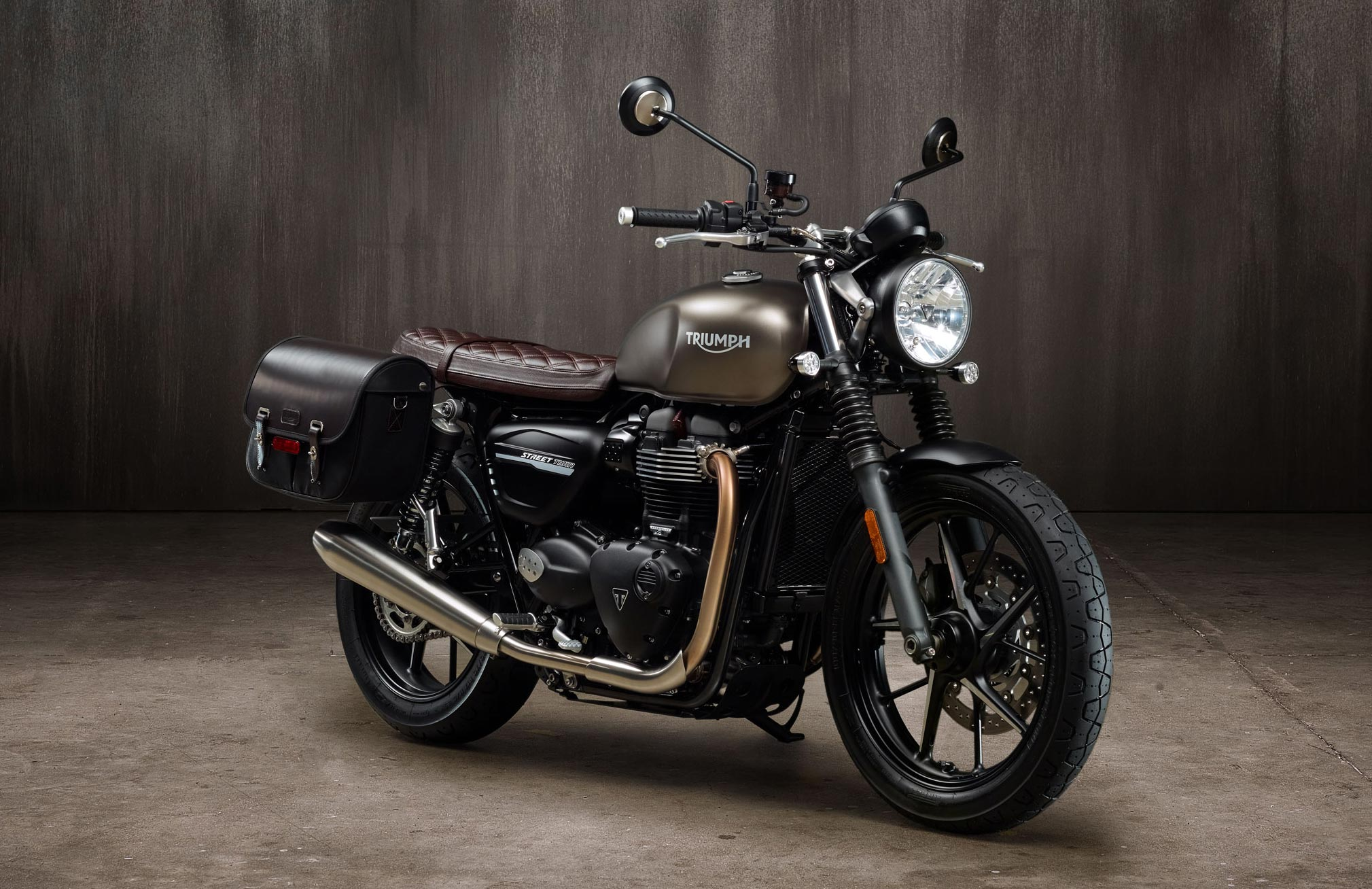 2019 triumph street twin guide total motorcycle. Black Bedroom Furniture Sets. Home Design Ideas