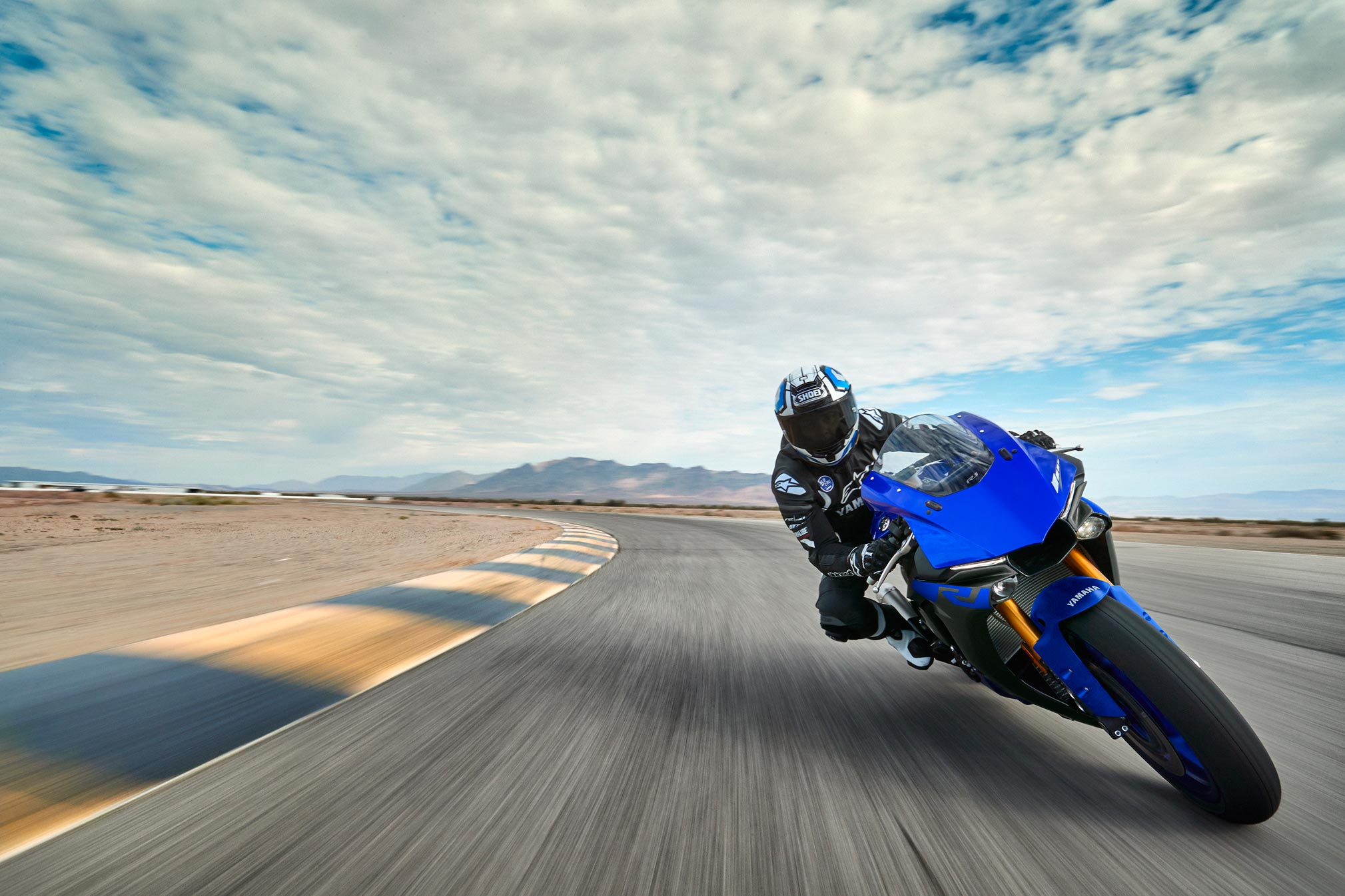 2019 Yamaha Yzf R1 Guide Total Motorcycle