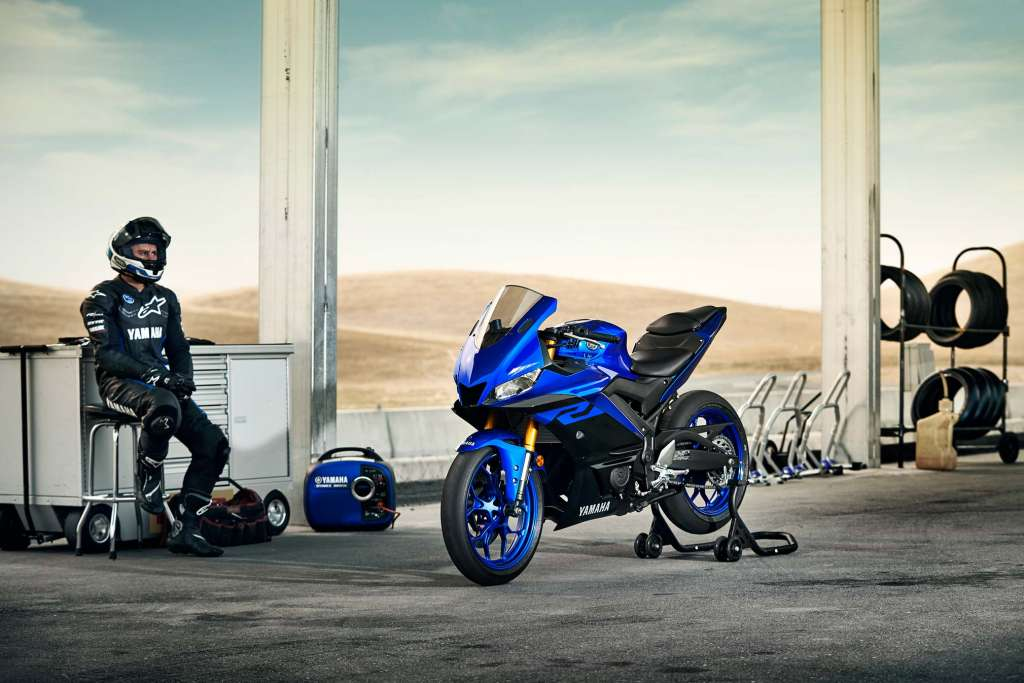 yamaha yzf  guide total motorcycle