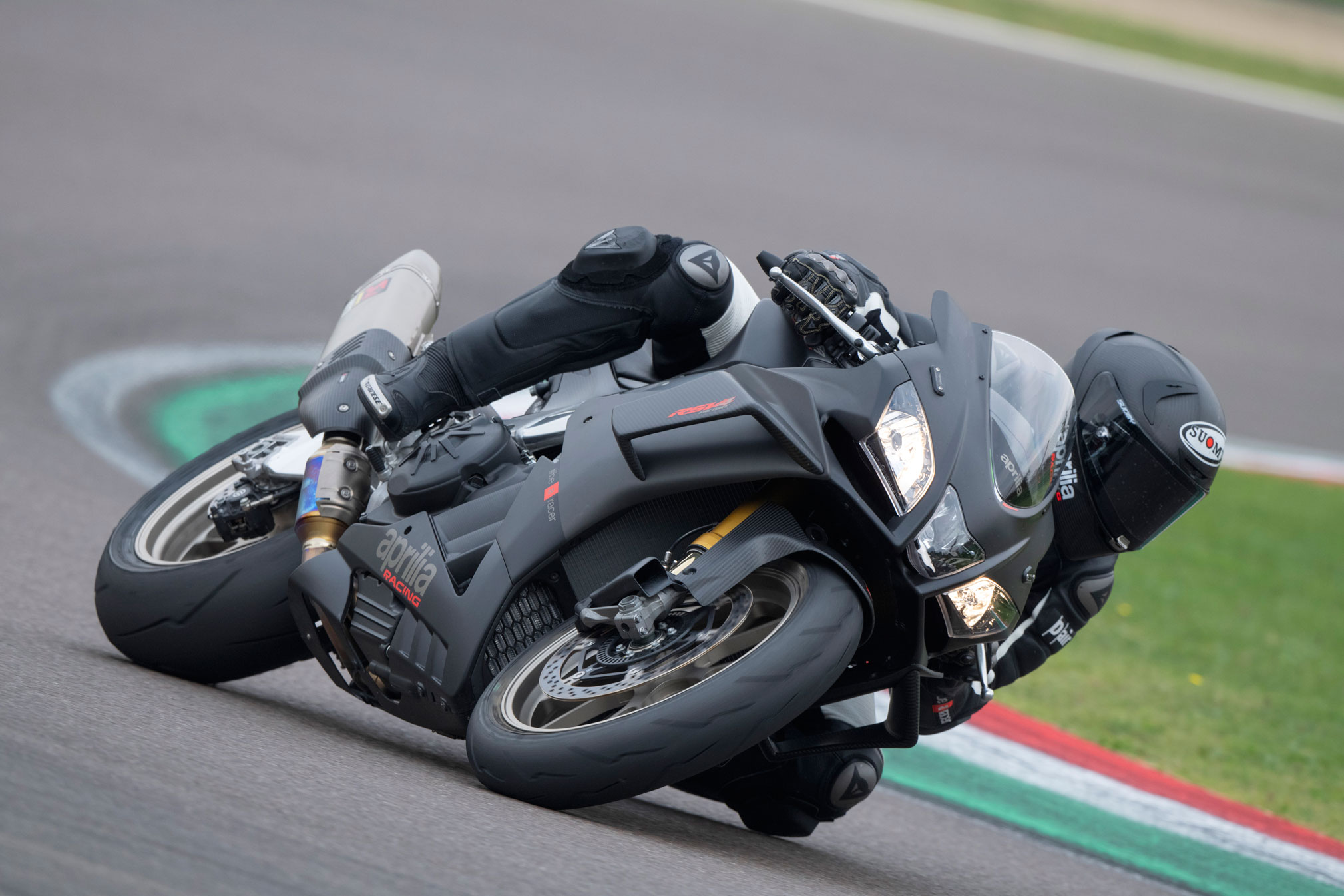 2019 aprilia rsv4 rr factory 1000 guide totalmotorcycle. Black Bedroom Furniture Sets. Home Design Ideas