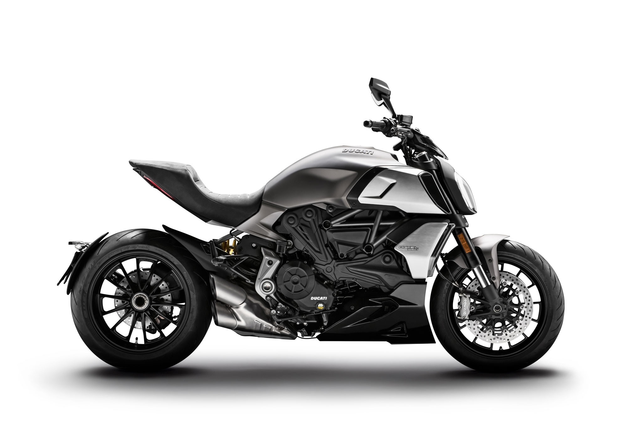 2019 ducati diavel 1260 guide total motorcycle. Black Bedroom Furniture Sets. Home Design Ideas