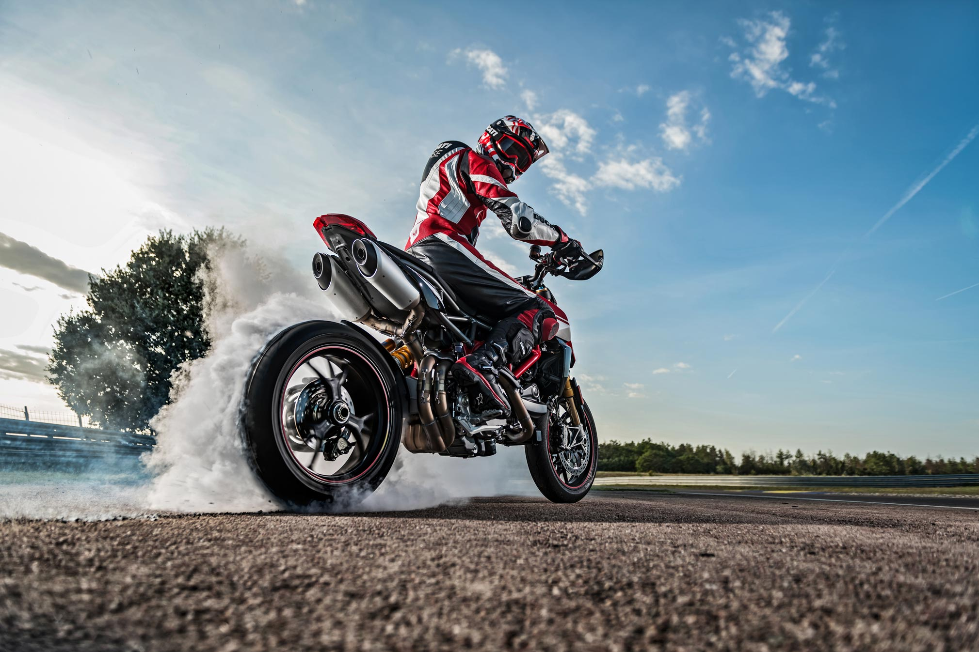 2019 Ducati Hypermotard 950sp Guide Total Motorcycle