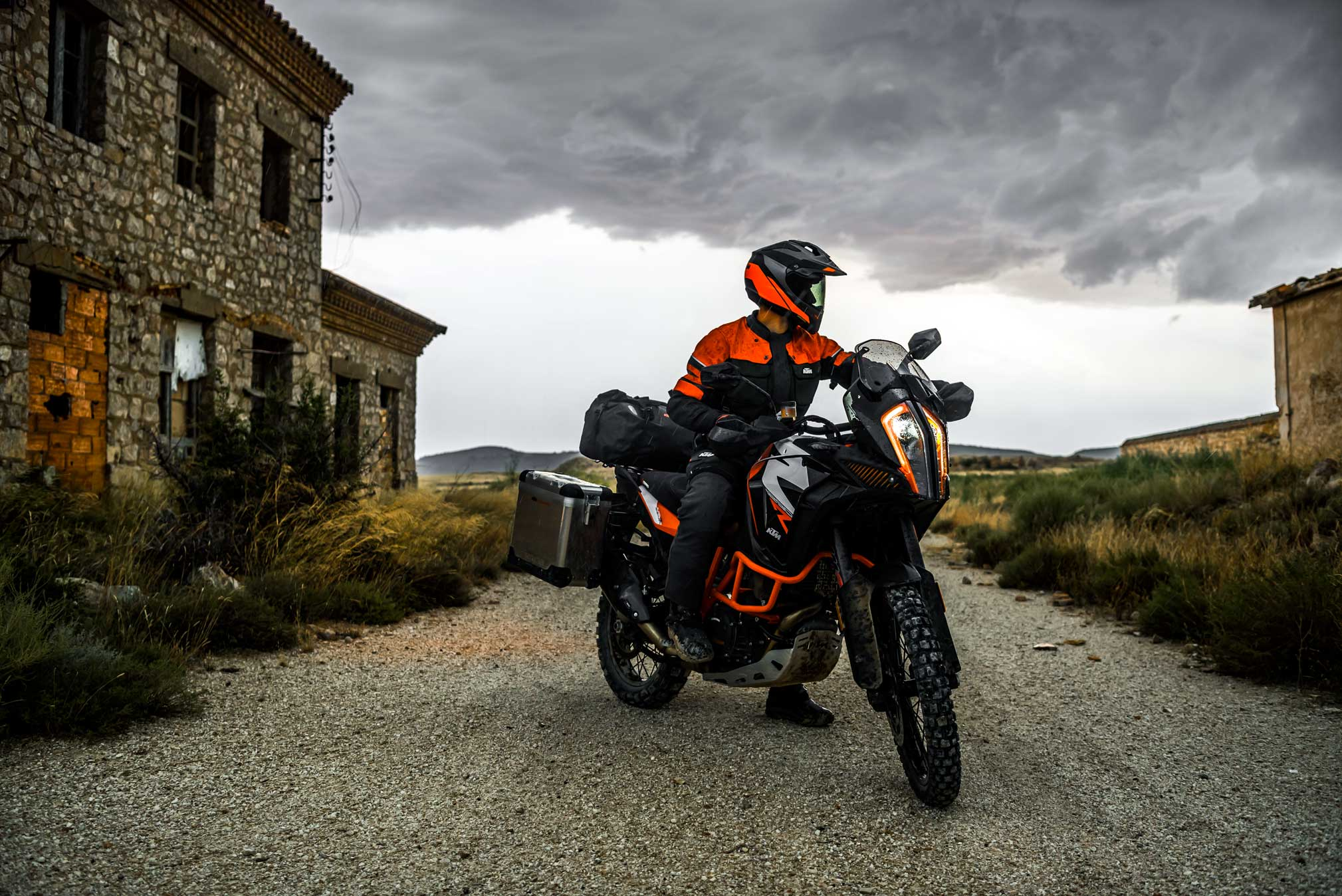 2019 ktm 1290 super adventure r guide total motorcycle. Black Bedroom Furniture Sets. Home Design Ideas