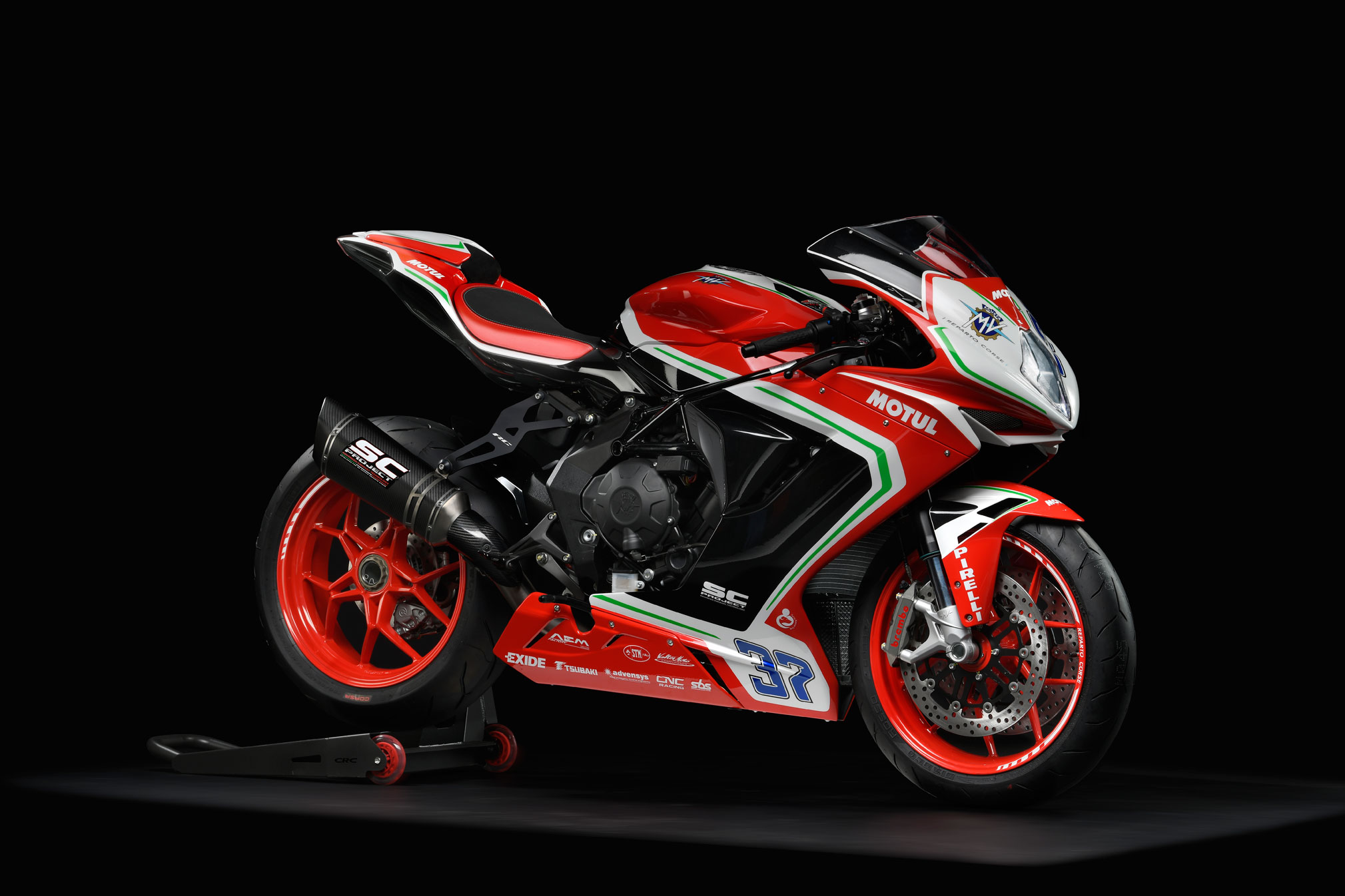 2019 mv agusta f3 800 rc guide total motorcycle. Black Bedroom Furniture Sets. Home Design Ideas