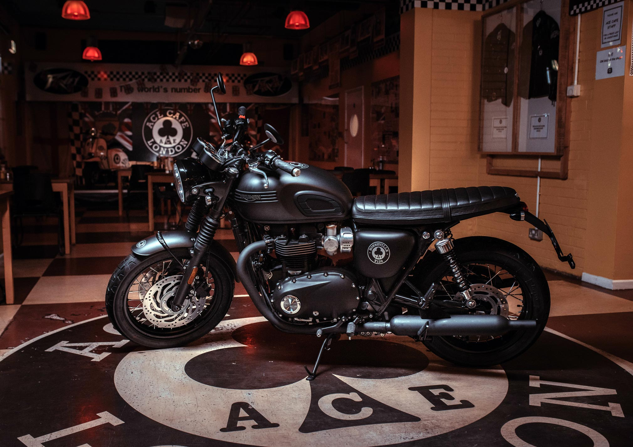 2019 Triumph Bonneville T120 Ace Guide • Total Motorcycle