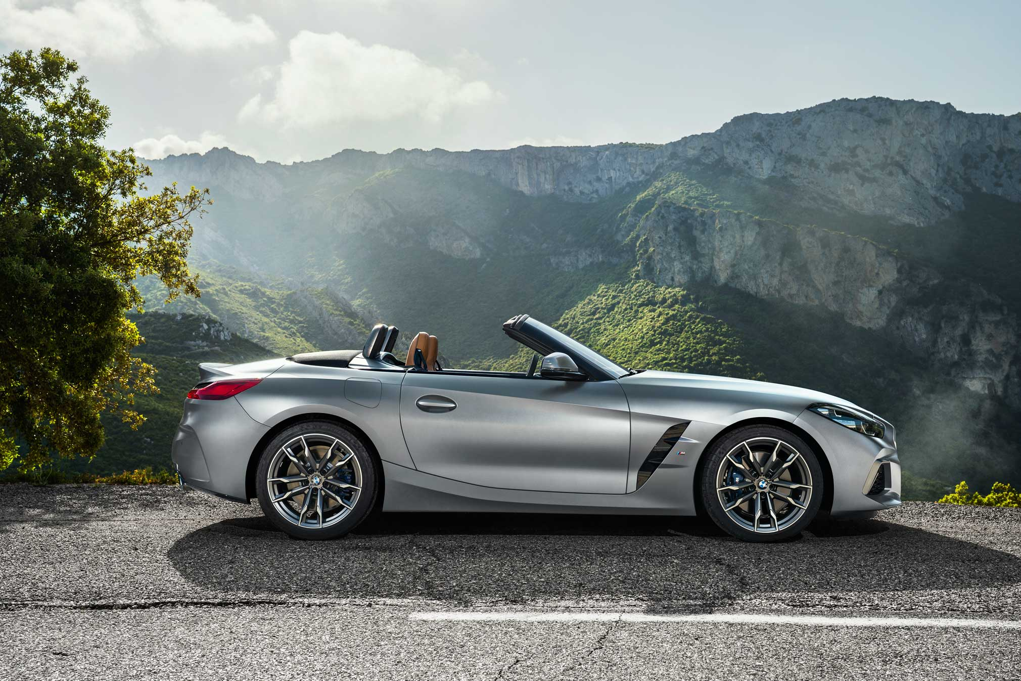 2020 BMW Z4 Roadster Images