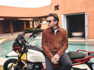 HOLLYWOOD STAR EWAN MCGREGOR IS THE AMBASSADOR FOR THE MOTO GUZZI V85TT