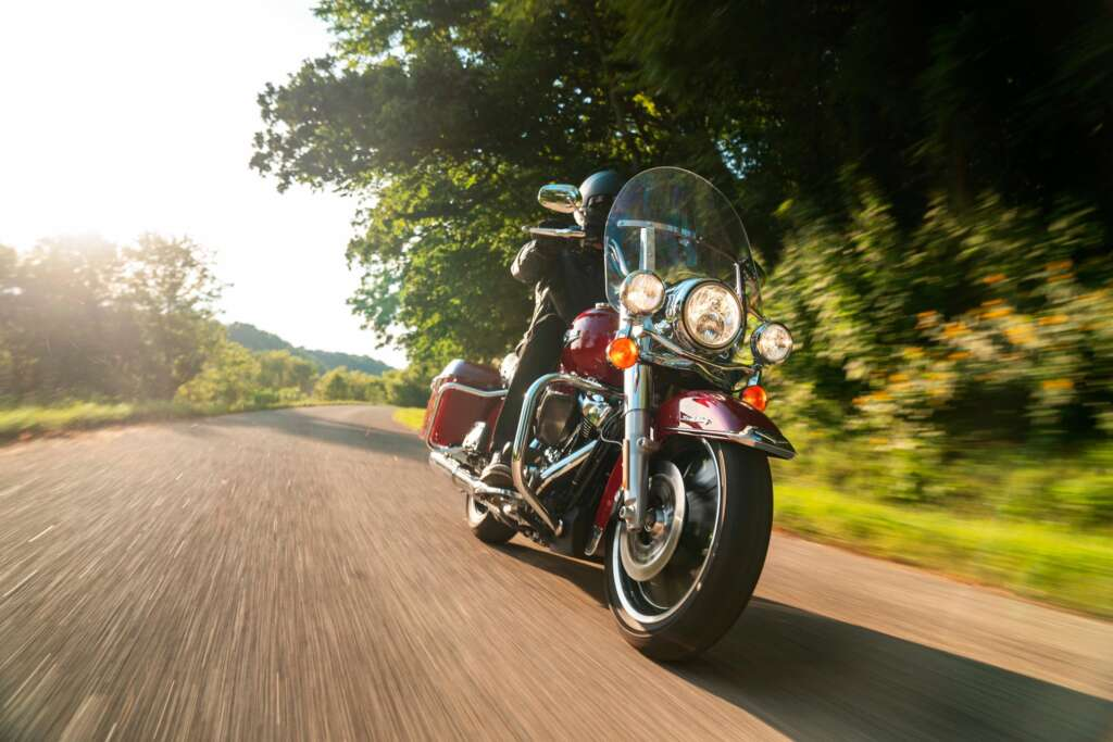 2021-Harley-Davidson-Road-King